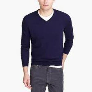 J Crew Mens V-neck sweater in perfect merino wool